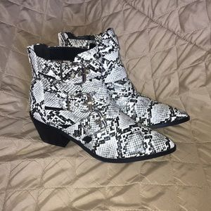 Rancho-1 Ankle Boots